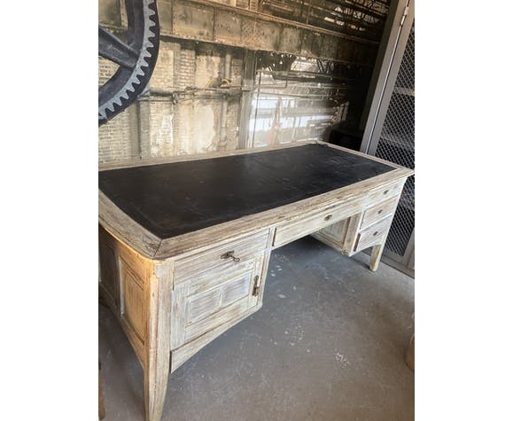 Bureau ancien avec tiroirs à l'avant et à l'arrière