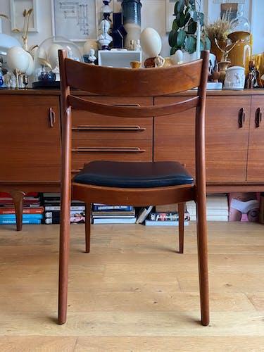 Ensemble de 4 chaises scandinaves en teck et skaï noir