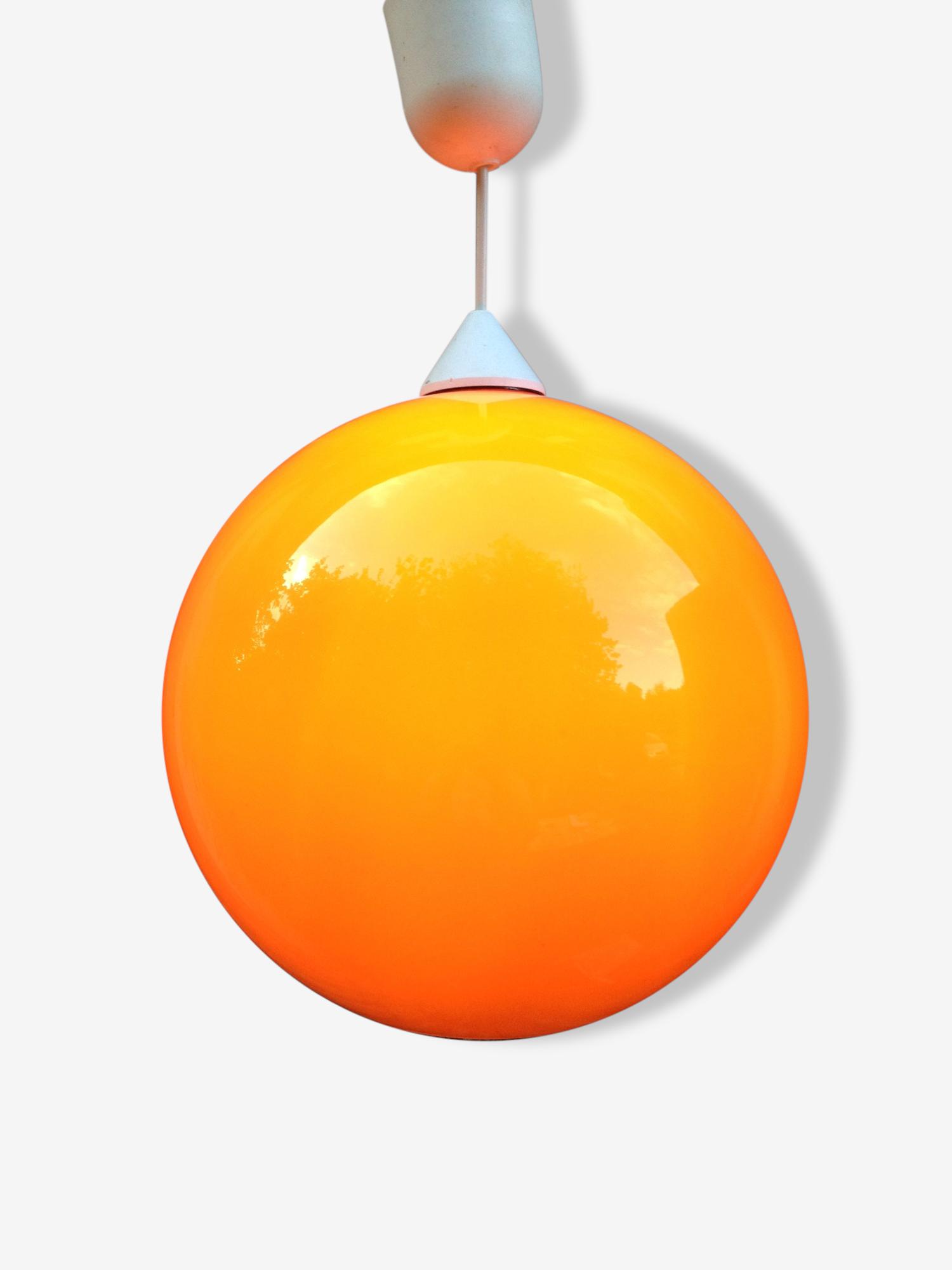 Suspension en opaline orange, design et fabrication des années 1970