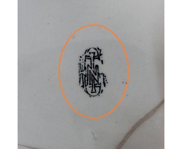 Cache pot en faïence de gien à décors polychromes, fin XlXe / début XXe