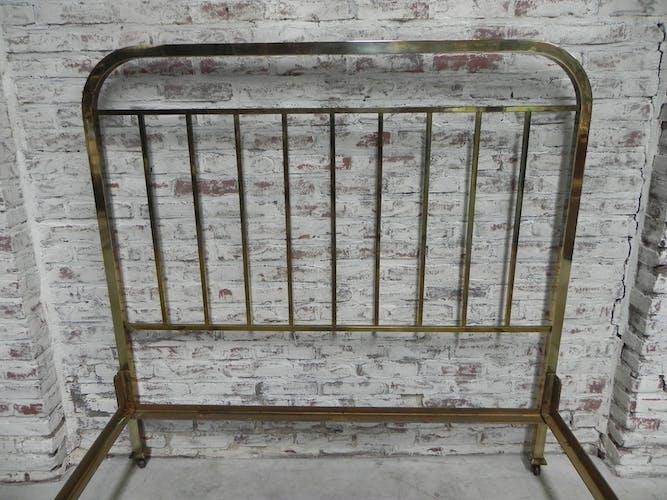 Bed 140 cm