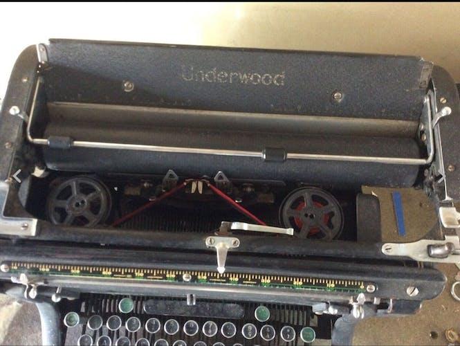 Ancienne machine à écrire Underwood