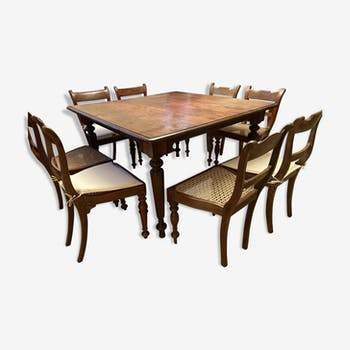 Set Square living table and 8 mulched chairs