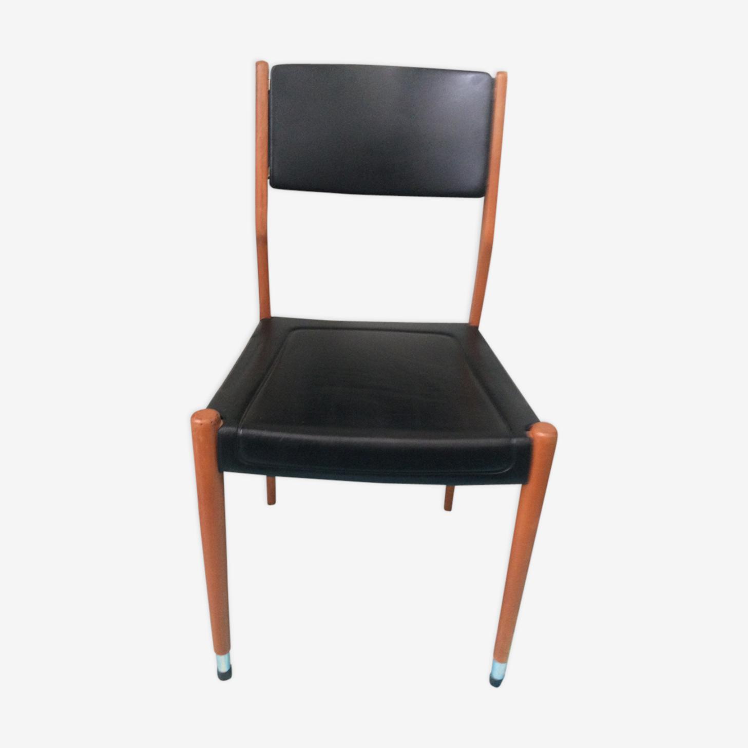 Chaise design scandinave en skai noir et bois clair vintage 1960