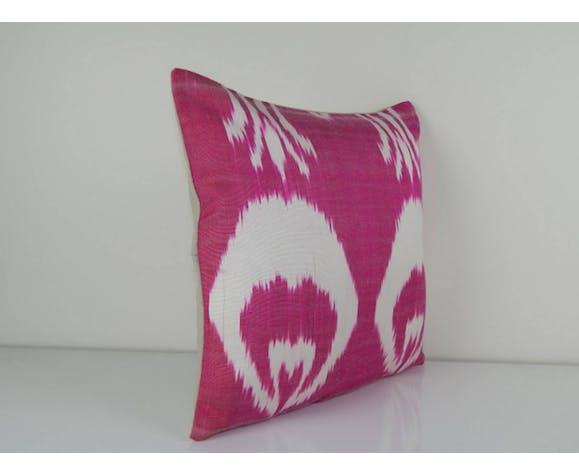 Oreiller rose ikat en soie 39 x 39 cm