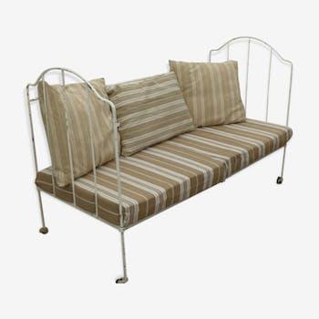 canap banquette de couleur blanche vintage d 39 occasion. Black Bedroom Furniture Sets. Home Design Ideas