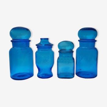 Quatuor de bocaux en verre bleu 70