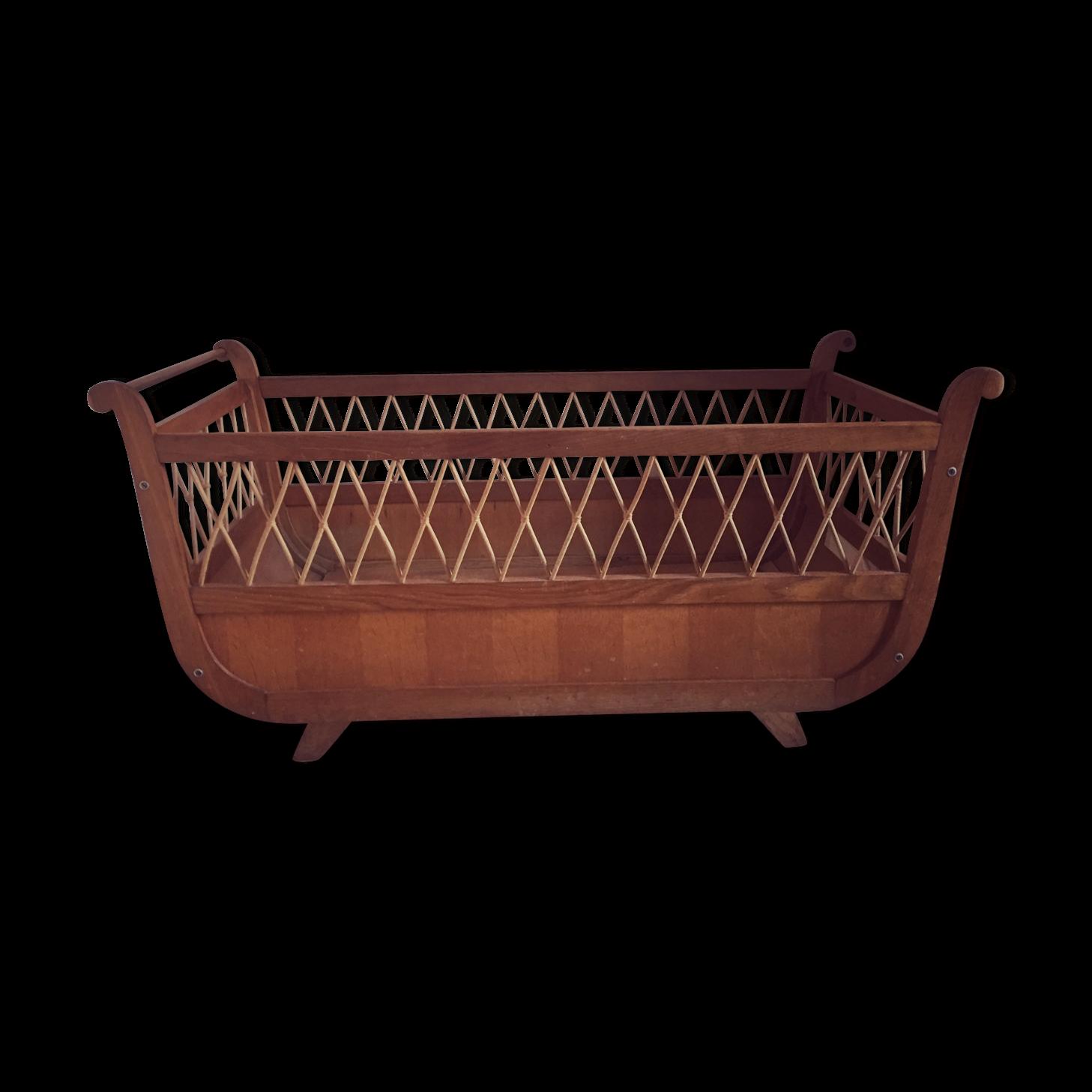 lit roulotte laurette ce lit bb en bois massif vintage est rarissime car volutif il passe du. Black Bedroom Furniture Sets. Home Design Ideas