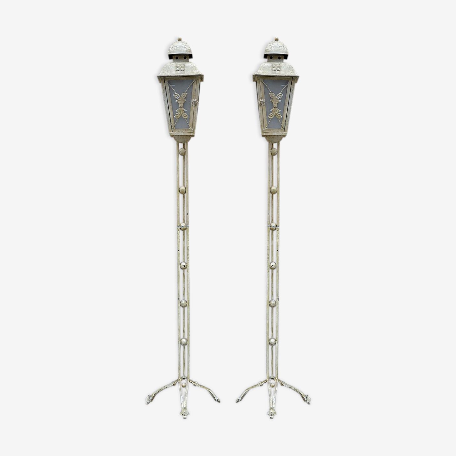 Paire de lampadaires avant 1940