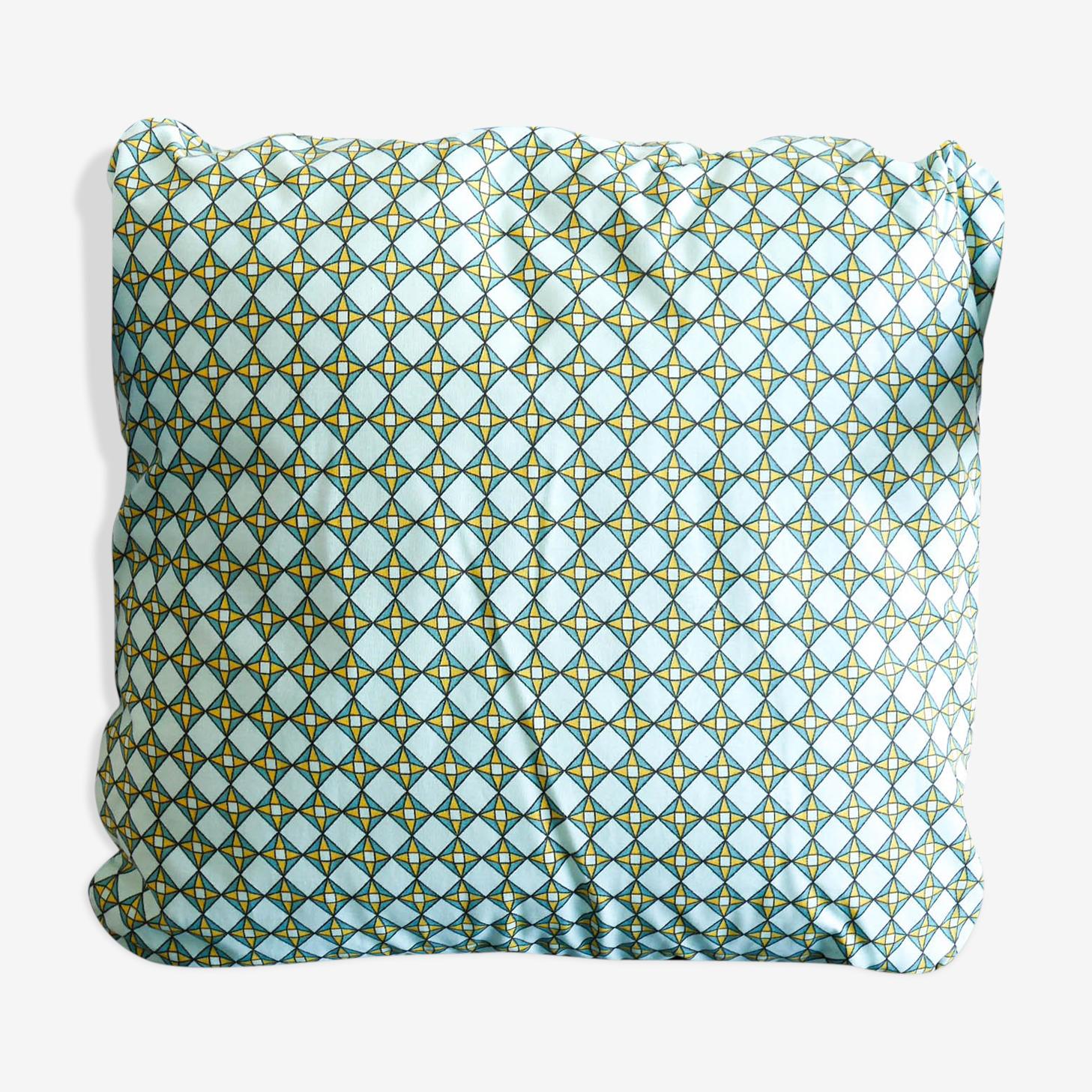 Graphic cushion style wax