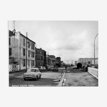 Tirage photographique encadré Paris en 1965 Bd Adolphe Pinard le jour (Paris 14ème)