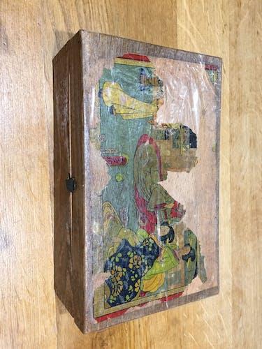 Ancien jeu de loto dans sa boite