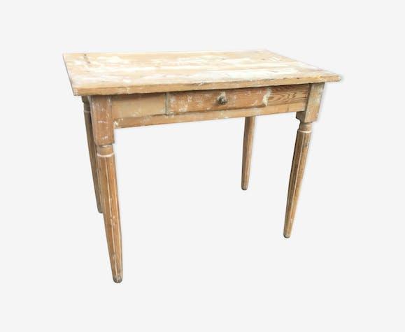 Table ancienne en bois patinée shabby chic
