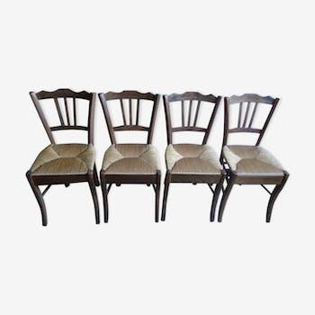 Ensemble de quatre chaises paillées
