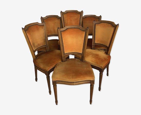 Suite de 6 chaises de style Louis XVI en bois
