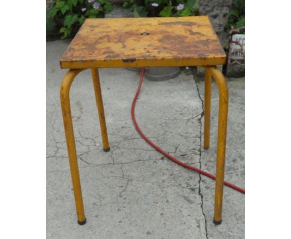 Table Tolix carré