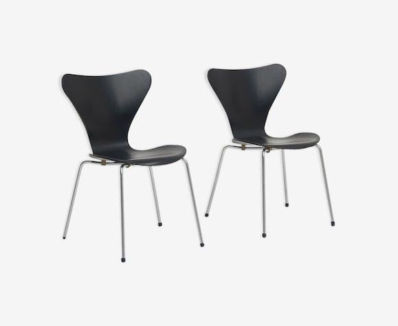 Paire de chaises 3107 série papillons Arne Jacobsen pour Fritz Hansen