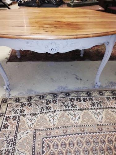 Table de salle à manger en noyer ovale