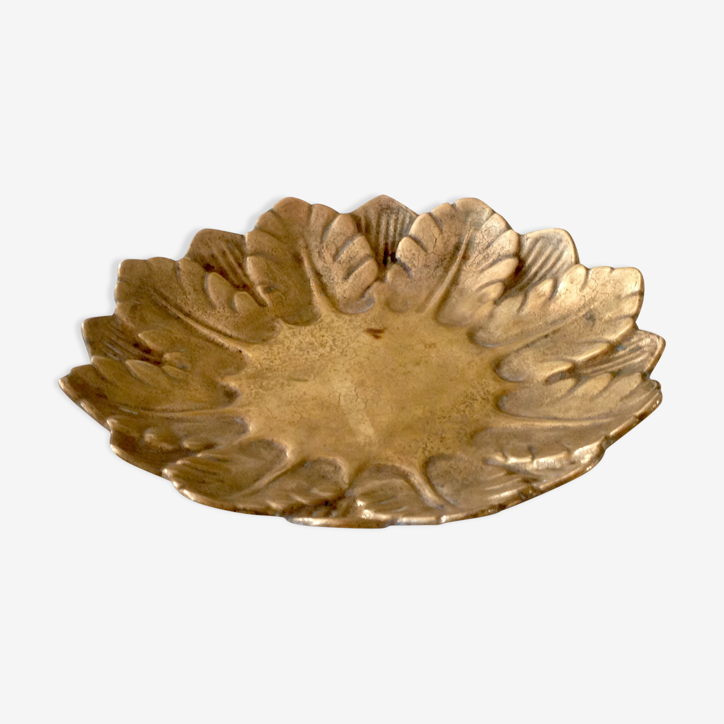 Trinket bowl in brass