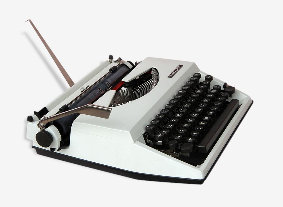 Machine a écrire Adler Tippa beige