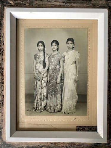 Photo Sisters Hindi vintage