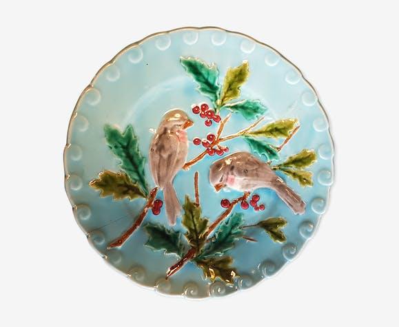 Assiette en barbotine à décor d'oiseaux