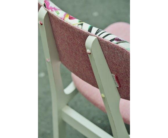 Amazilia Chair