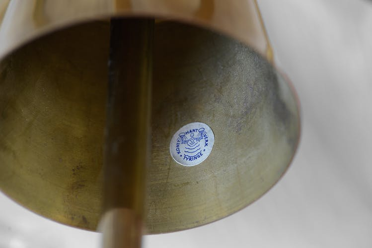 Lustre en laiton à cinq bras avec des nuances en cristal de Tyringe Konsthantverk, Suède des années 1950