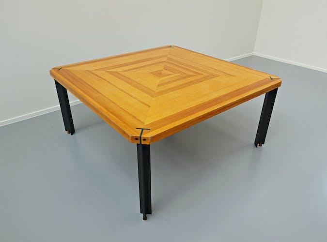Table à manger carrée, années 1960