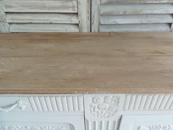 Buffet art déco en chêne patiné gris perle plateau bois finition cirée. buffet vintage des années 30 revisité pour un esprit maison de famille dans l'air du temps . l 145 cm p 51 cm h 98 cm