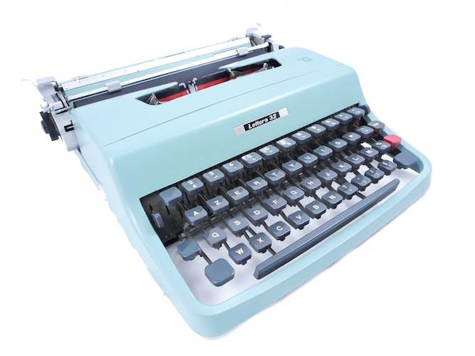 Machine à écrire Olivetti Lettera 32 révisée