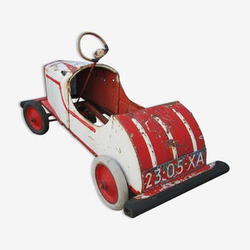 For child pedal car