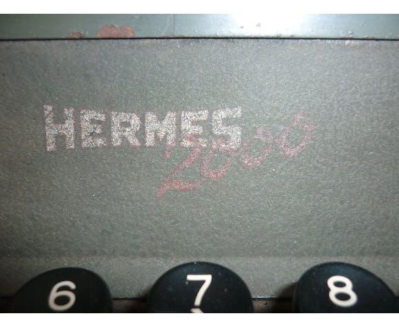 Machine à écrire manuelle Hermes 2000