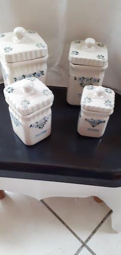 Set de 4 pots à épices carrés en grés vermissé St Uze fond créme