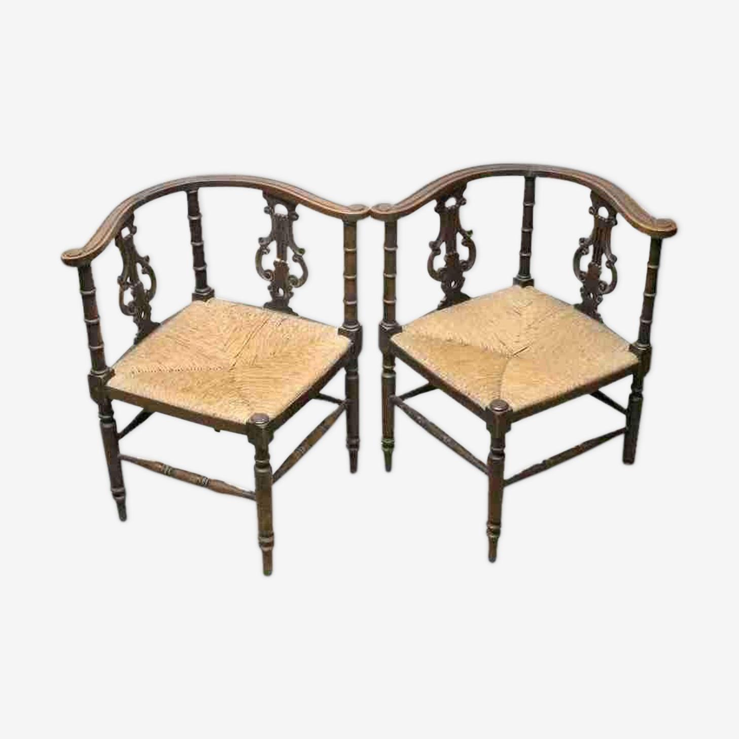 Paire de chaises d'angle en acajou