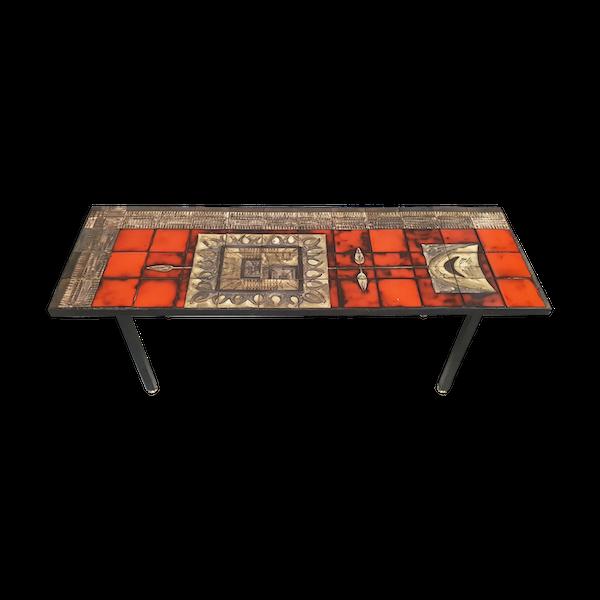 Table ceramique-porcelaine-faience rouge