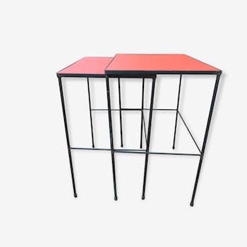 Tables gigognes métal vinyl rouge typiques années 50 60