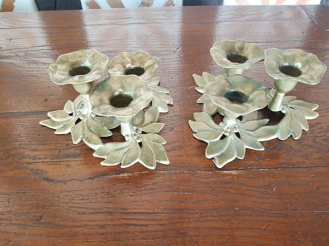 Paire de bougeoirs fleur laiton vintage 1960