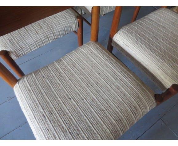 Paire de chaises danoises du milieu du siècle par H. W. Klein, années 1960