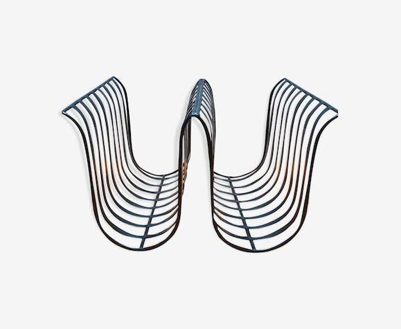 Porte revue minimaliste en métal