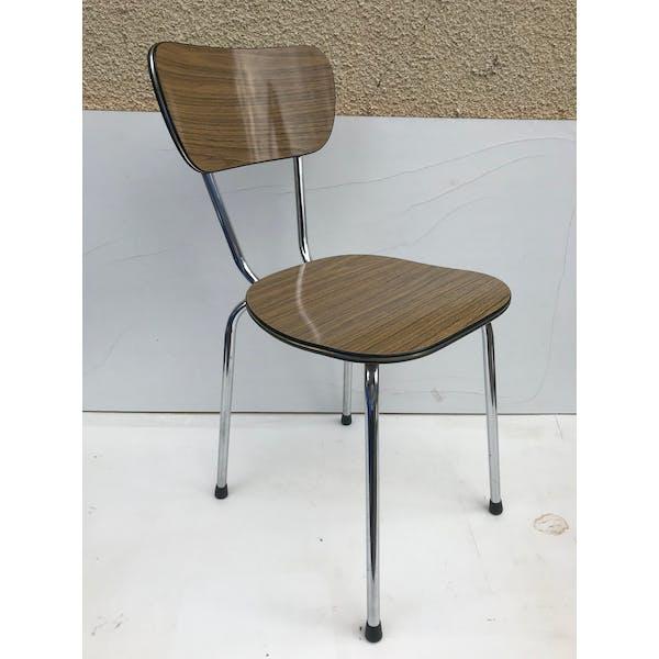 Paire de chaises anciennes en métal chromé et formica marron imitation bois vintage formica marron bon état vintage 4Roic12