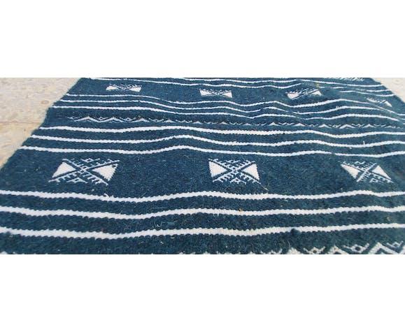Tapis kilim bleu et blanc fait main en pure laine 95×65cm