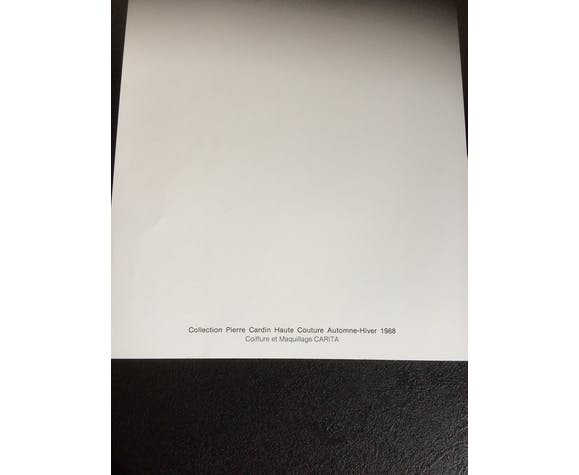 Illustration de mode de presse Pierre Cardin des années 80