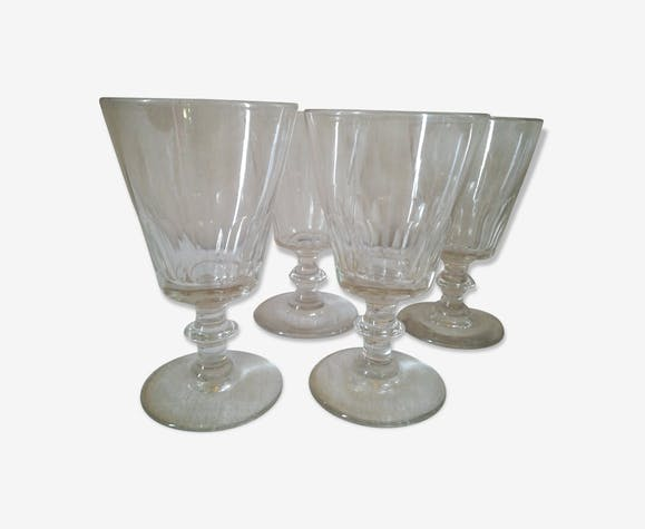 4 glasses Bistro