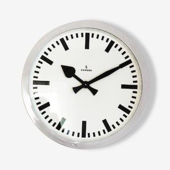 Horloge murale industriel vintage par Siemens