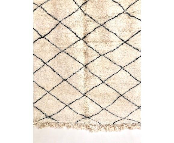 Tapis berbère marocain beni ouarain à petits losanges noirs 275x211cm