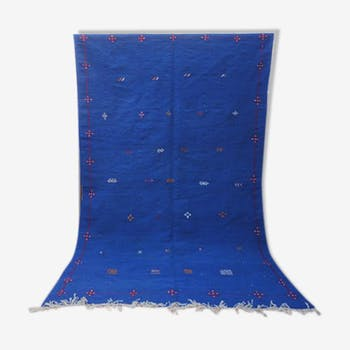 Tapis kilim en laine bleu hanbel marocain berber 240 x 145 cm