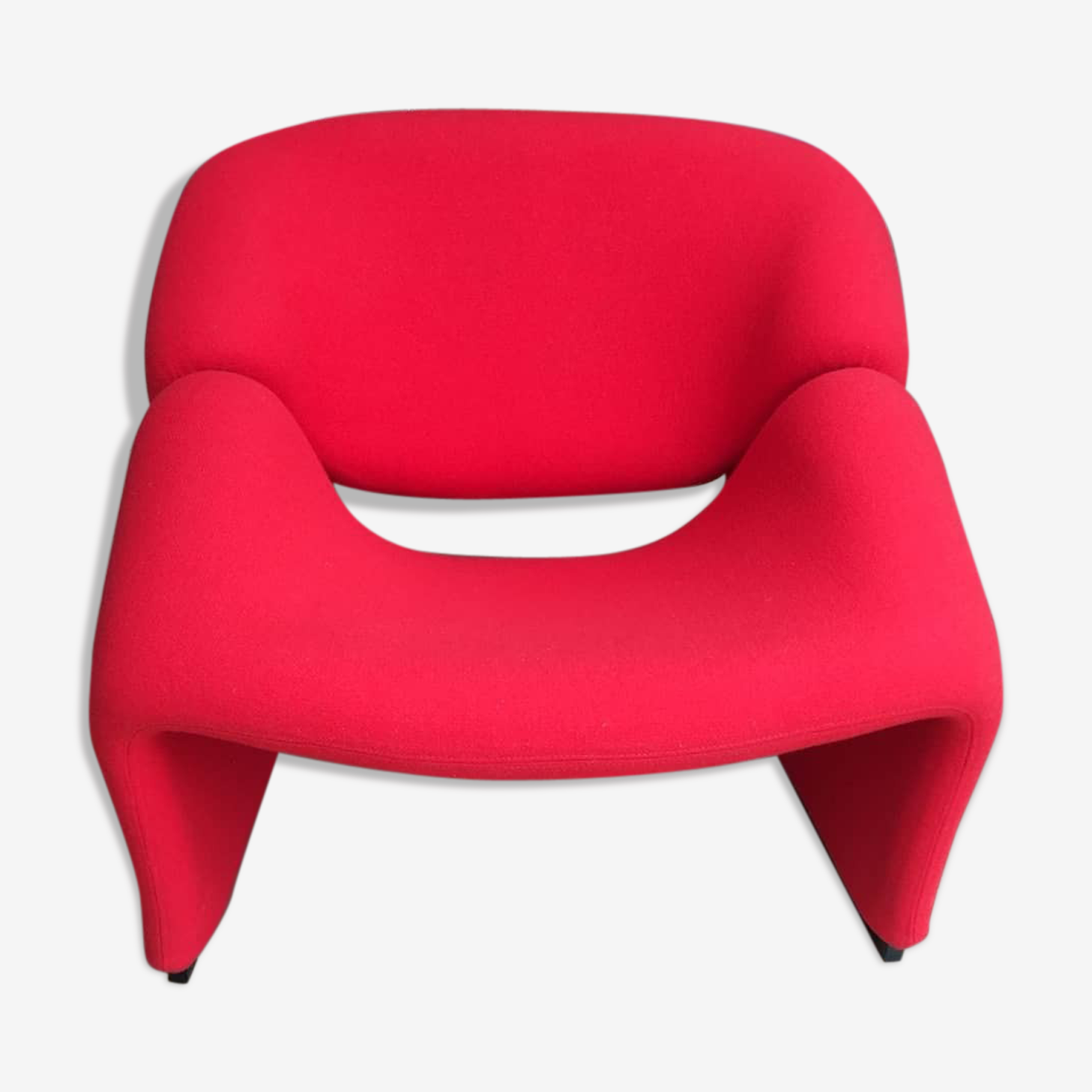 Red groovy lounge armchair by Pierre Paulin for Artifort