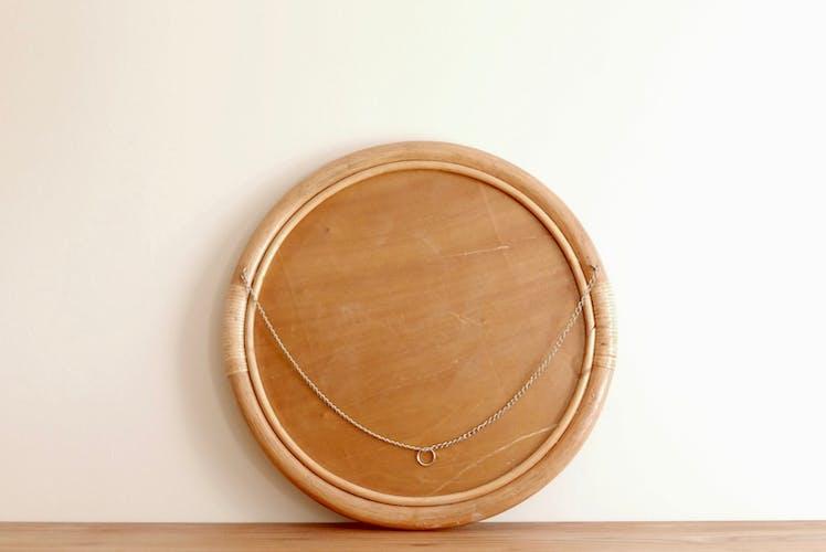 Grand miroir rond en bambou rotin, années 50