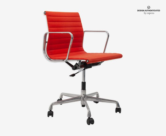 Vitra Chalres Eames : Armchair ea117 by charles eames for vitra fabric red design